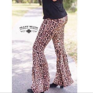Brazos Bells. Leopard Print Flare Pants. Small- 3X